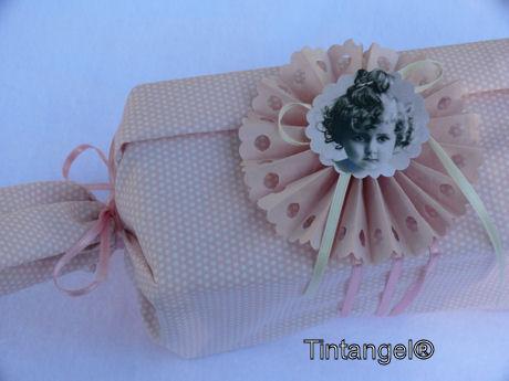 Cadeautje met rozet