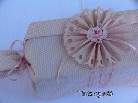 Cadeautje met rozet (2)