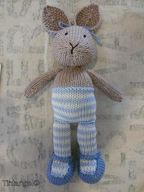Little cotton rabbit liggend