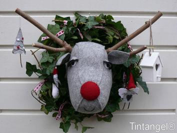 Rudolf_aangekleed