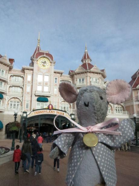 Welkom in Disneyland met tintangelmuisje van Wilma