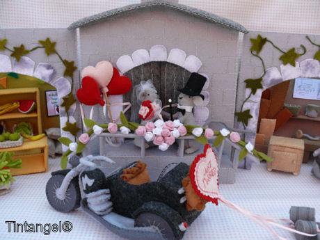 Stadhuis, bruidspaar en motor blog