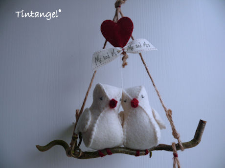 Lovebirds closeup blog