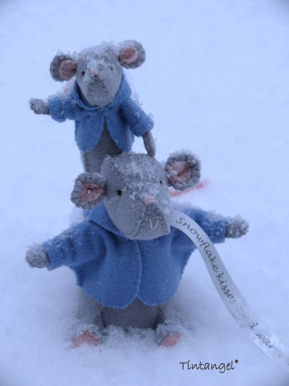 Sneeuwmuis in sneeuw 1 etsy