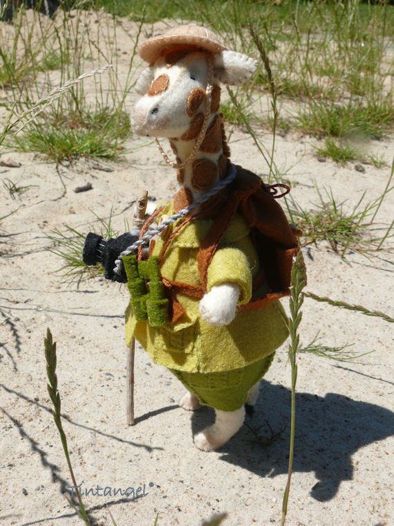 Dress to Impress Giraffe-Safari