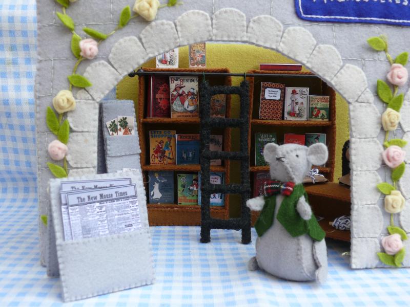 Boekenwinkel achter gevel
