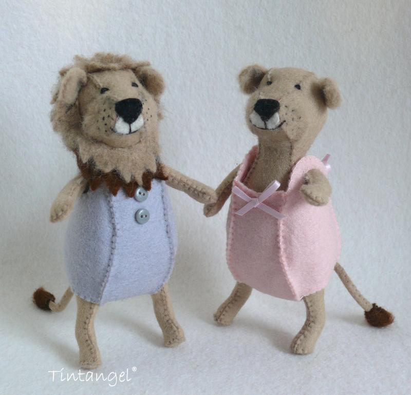 Etsy Ld Leeuwen in pyjama voor